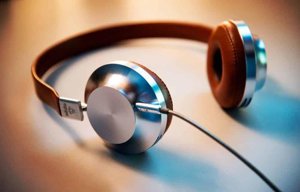 Écouter de la musique au travail : les styles musicaux préférés des Français